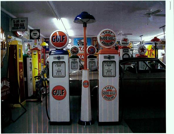 OLD GAS PUMPS, CLASSIC STYLES OF ANTIQUE GAS PUMPS, THAT VINTAGE GAS